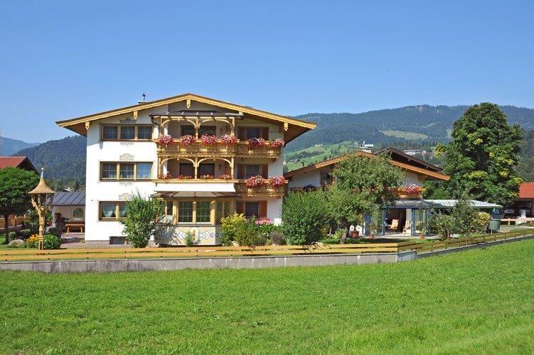 Galerie Im Haus : Haus Unterberg in Kössen/Tirol Ferienwohnung ...